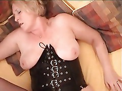Amateur Wife has Orgasm while fucking!
