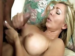 Mature whore securing an orgasm