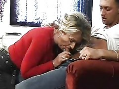 Mature Milf Fiddles and Fucks