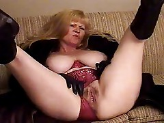 BBW Mature taping herself
